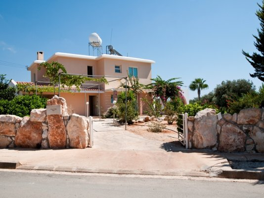 3-bedroom-villa-ira-st-george-sea-caves-paphos_full