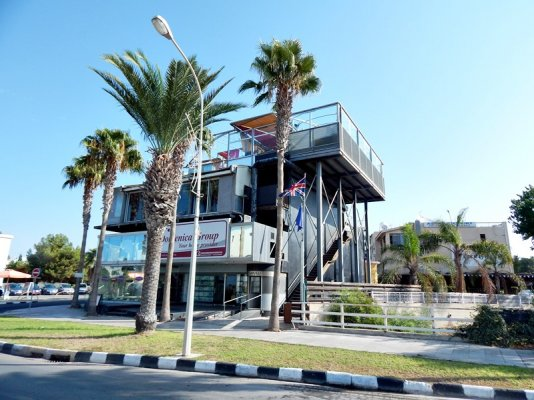 3-storey-commercial-building-in-kato-paphos_full