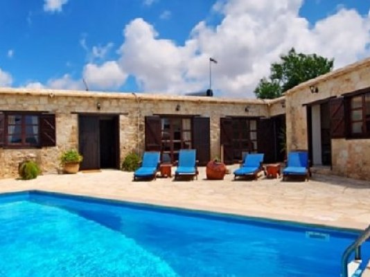 4-bedroom-stone-built-house-in-neo-chorio_full