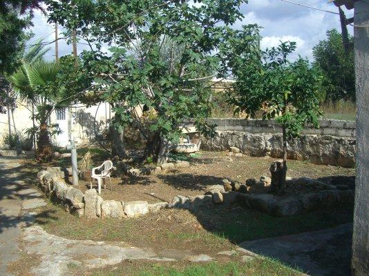 village-stone-house_full